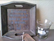 klein dienblad met tekst