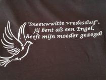 Songtekst op een shirt